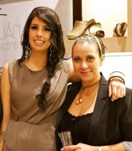 AeT Post1 Andrea y Gisela1 262x300 De los pies a la cabeza: estilismo de Art en Tall en la zapatería El Zaguán